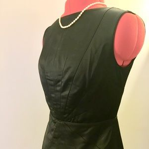 Little black dress with V-back